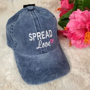 Spread Love hat - David and Young